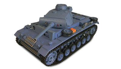 RC tank Panzerkampfwagen 3  2.4GHZ IR/BB in luxe houten kist Control edition
